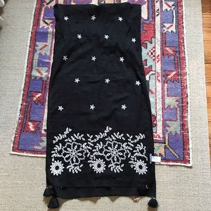 Jjill cotton/embroidered scarf like new worn 2x